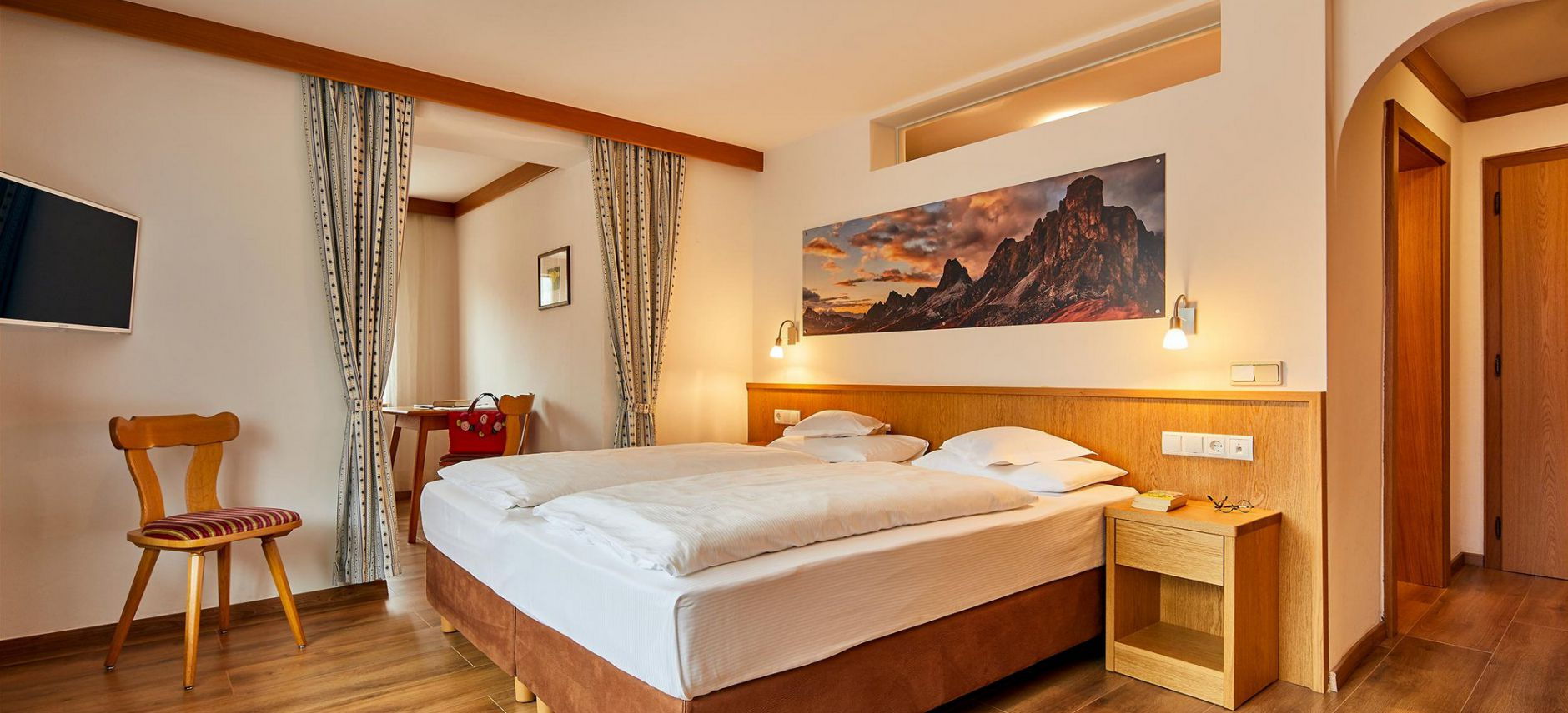 Image: Rooms at Hotel Veneranda in Alta Badia